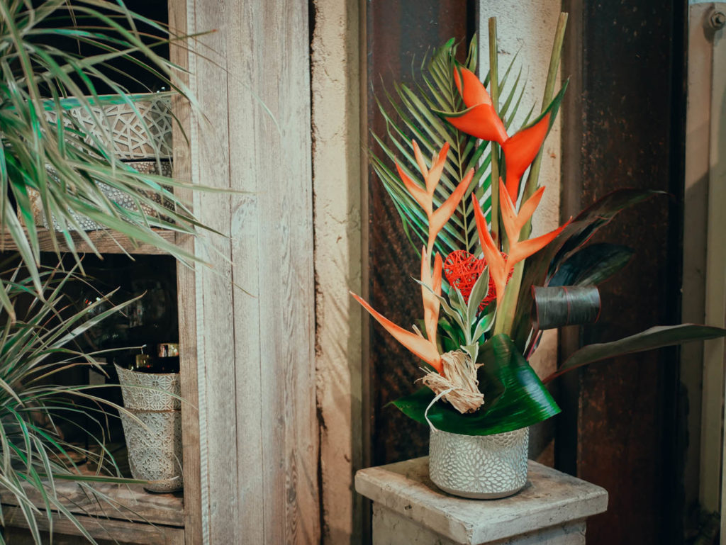 composition-exotique-heliconia-1